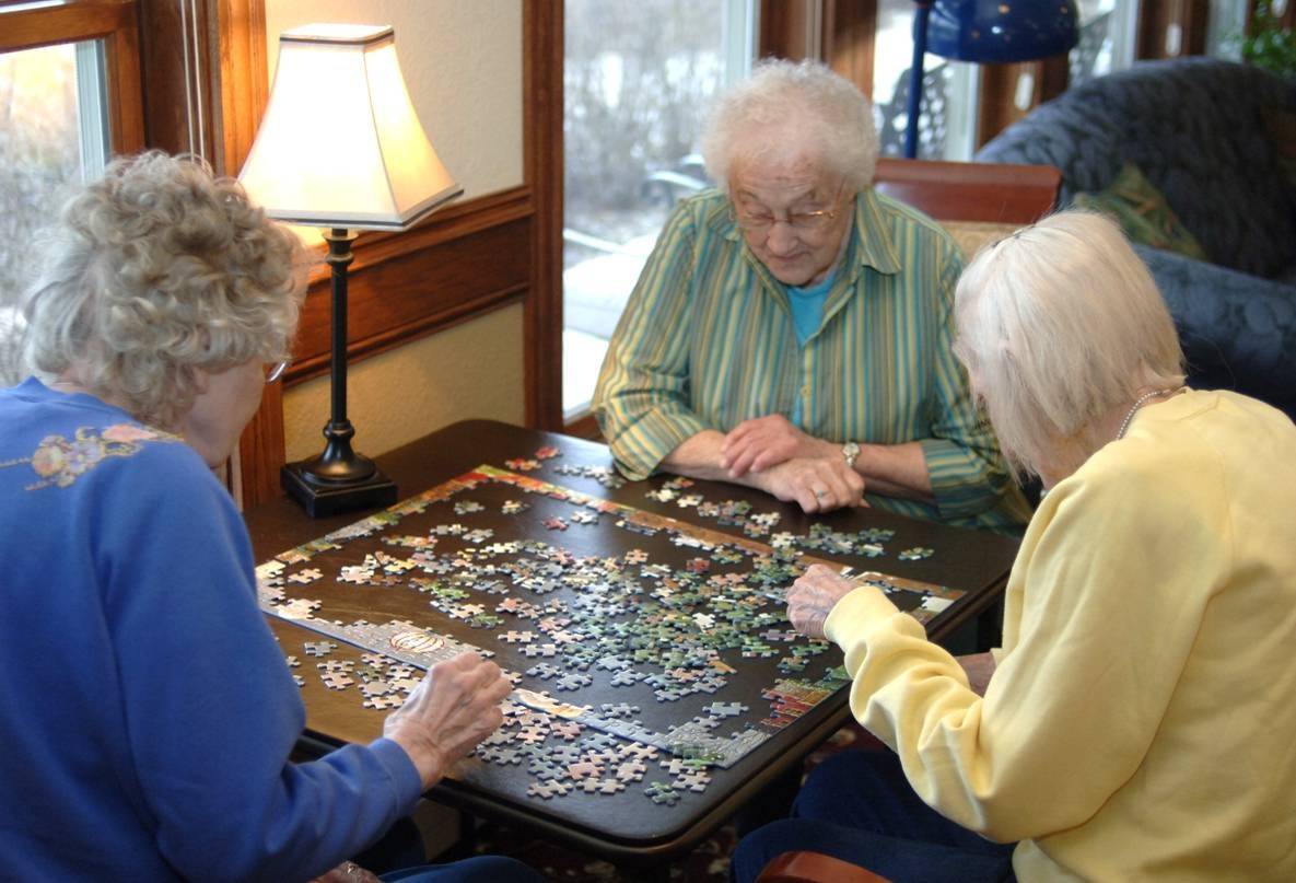 Activity at Glenwood Estates Senior Living